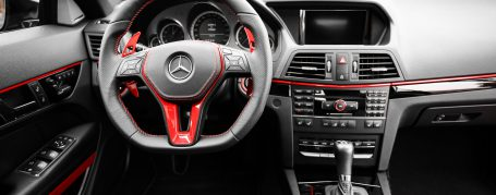 Mercedes E-Coupe C207 - Complete interior including dashboard, instrument panel, steering wheel, steering wheel pot and seats in polished candy red
