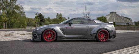 PD750 Side Skirts for Nissan GT-R R35